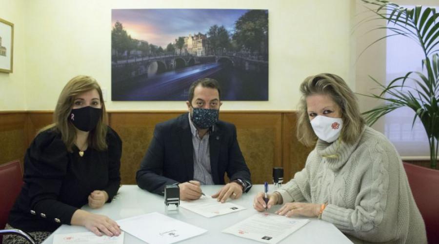 """Torrijos: Ayuntamiento dona 2.500 € para el """"Programa de Alimentos"""" de Cáritas"""