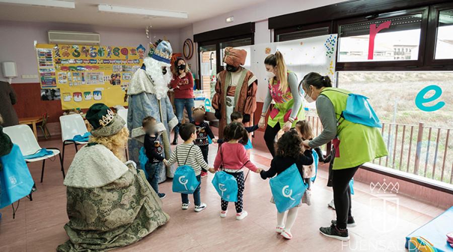 Fuensalida: Los Reyes Magos en el Centro de Día Infantil